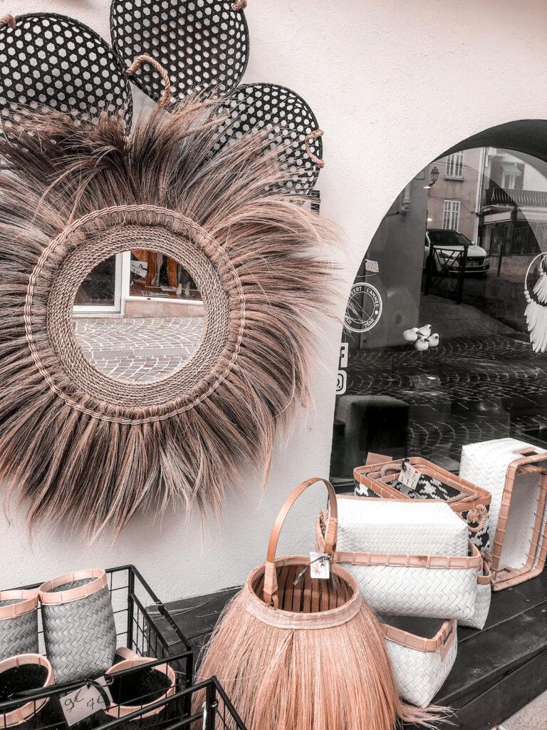 Interieurinspiratie uit Zuid-Frankrijk: duingras en raffia spiegels